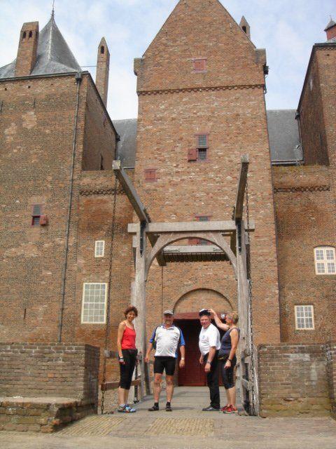 Von wegen keine Kultur: Besichtigung von Burg Löwenstein bei Woudrichem