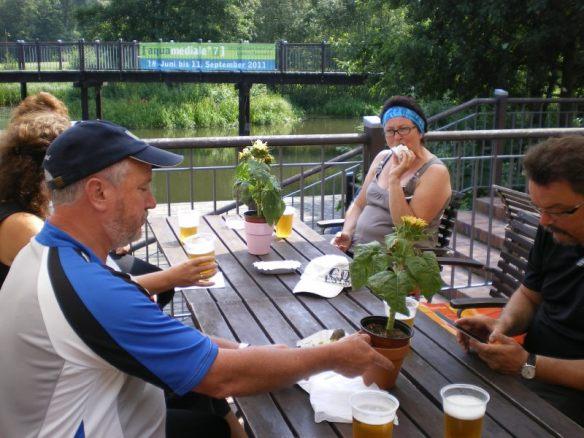 Gehört einfach zum Spreewald: Gurken und Bier