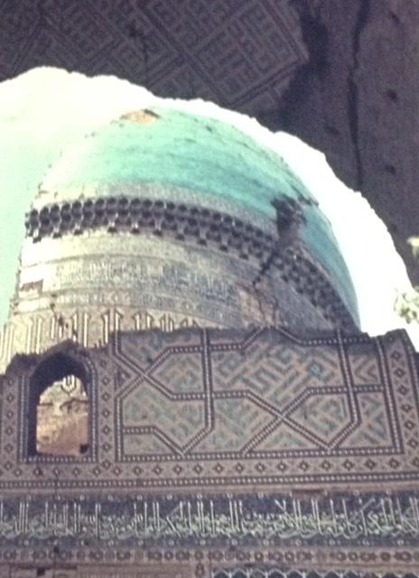 Prächtige orientalische Bauten, meist von Erdbeben zerstört