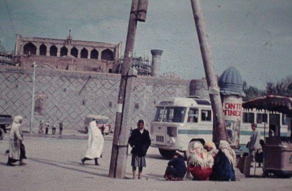 Laut meinem Vater stand das usbekische Stromentz schon vor 50 Jahren auf äußerst soliden Fundamenten.