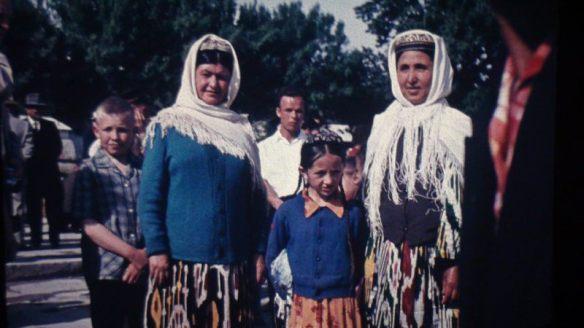 Usbekinnen posieren für meinen Vater